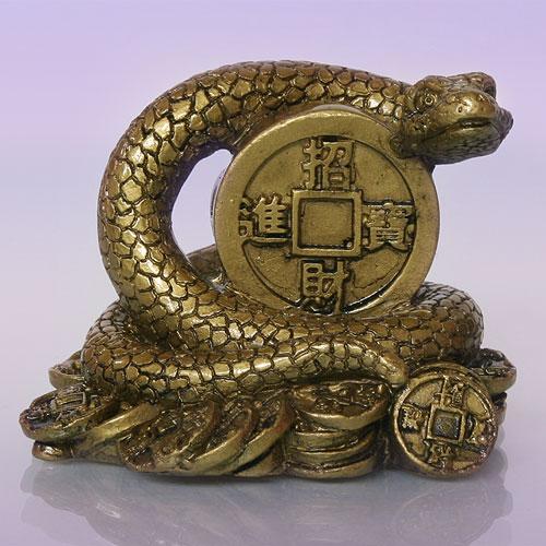 Май - месяц металлической Змеи
